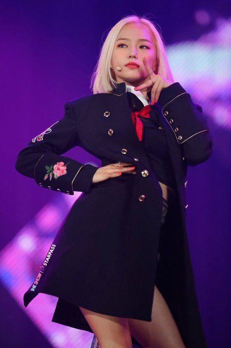 yeeun suit 44