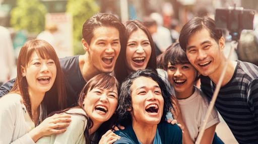 japonais selfie rire amies