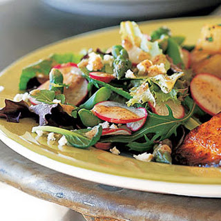 Spring Salad with Asparagus and Radishes