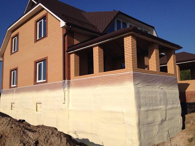 Уменьшаем теплопотери и увеличиваем энергоэффективность здания или строения с помощью напыляемой теплоизоляции