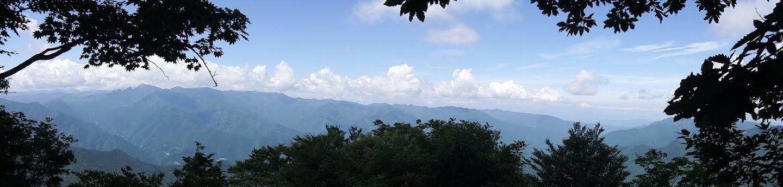 大峰山脈方面のパノラマ