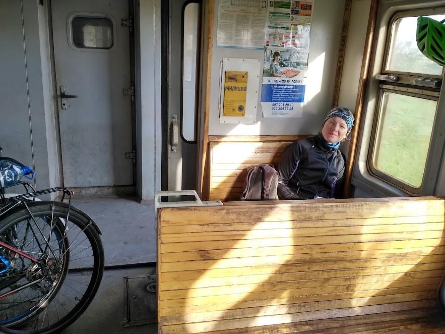 потяг в України