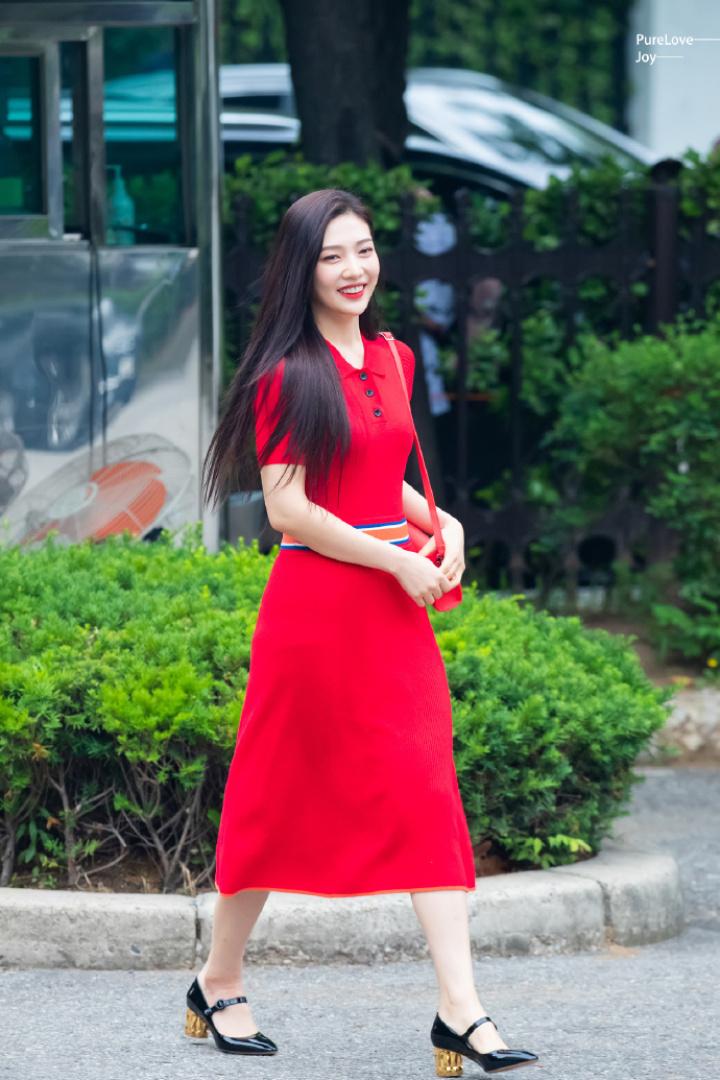 joy red dress4