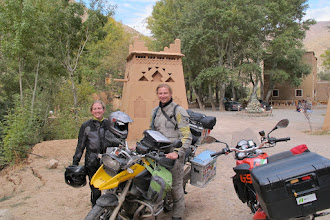 Photo: Arja, Pascal & Francois as taken by Jim Decker, our Seattle based acquaintance on tour in Morocco.