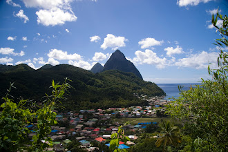 Photo: Karayiplerin simgesi Piton'lar ve Soufriere şehri Piton's ; Symbol of the Caribbean and Soufriere City