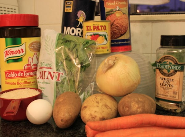 all the ingredients that are going to be use for the Albondigas Soup (Meatball Soup)