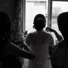 Wedding photographer Vitaliy Davydov (hotredbananas). Photo of 27.07.2017