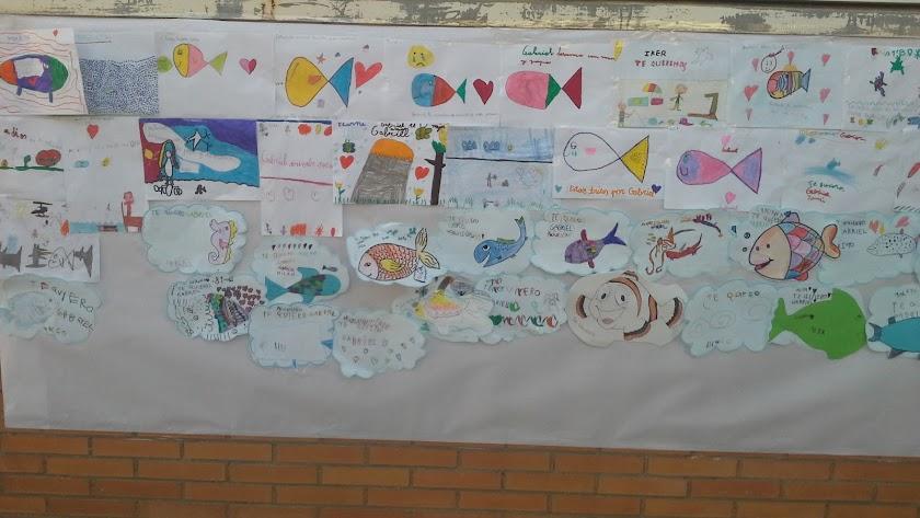 Dibujos de peces en memoria de Gabriel.