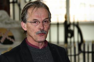 Photo: Openingswoord door René van Loenen, voorzitter van de Culemborgse Commissie 'Kunst in de kerk'