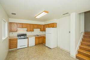 Highland Park Townhome Apartments For Rent in Topeka, Kansas
