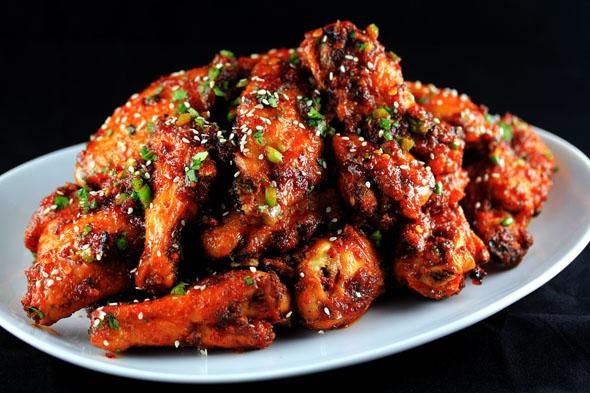 Sweet-n-Spicy Garlic Ginger Chicken Wings Recipe | Yummly
