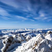 La neve pose una tovaglia silenziosa su tutto.(F. Pessoa) di