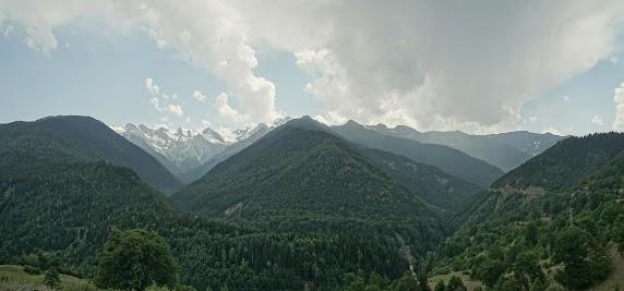 Bergpanorama nahe Mestia.