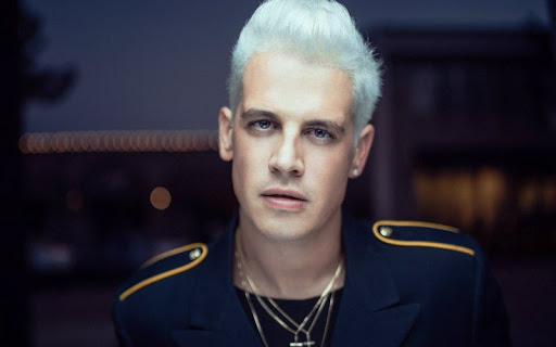 Yiannopoulos announces winners of white 'Privilege'  scholarships