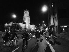 Photo: Und abends dann zur Critical Mass Berlin. Vorbei am Rathaus Schöneberg.