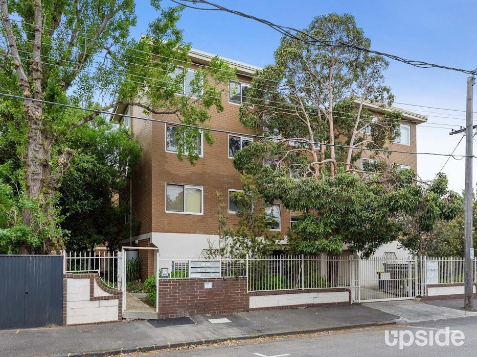Main photo of property at 5/31 Burnett Street, St Kilda 3182