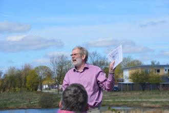 Photo: Jørgen F. Bak kommer med begrundelsen for valget af skovnavnet