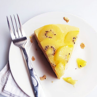 Kiwi Mango Frozen Yogurt Pie