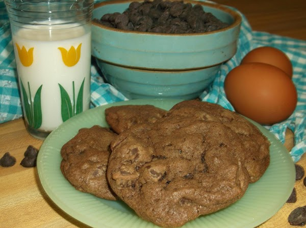 Immediately remove baked cookies to wire rack or parchment lined flat surface to cool.