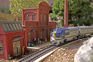 GARE TRAIN CORAIL MINIATURE A ST DIDIER