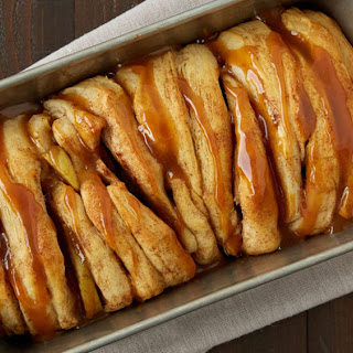 Apple Pie Pull-Apart Bread