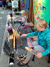 Photo: I bring looms to birthday parties, slumber parties etc. email me jill@saorisantacruz.com ages 4 and up.