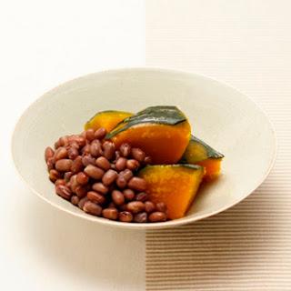 Azuki to Kabocha no Itoko-ni (Kabocha Squash Cooked with Azuki beans).