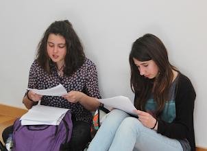 Photo: Antes do início do concurso os alunos estudaram os textos