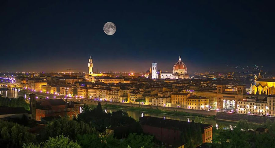 Florence at night  by Łukasz Rogalski - City,  Street & Park  Night ( florence, night, cityscape, italy, city )