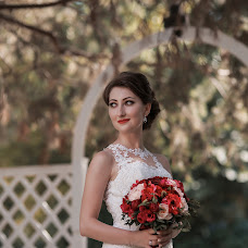 Wedding photographer Aleksandra Khlebnikova (YourAlexandra). Photo of 19.10.2016