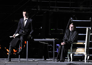 """Photo: WIEN/ BURGTHEATER; """"DANTONS TOD"""" von Georg Büchner. Inszenierung; Jan Bosse. Premiere 24. Oktober 2014. Fabian Krüger, Michael Maertens. Foto: Barbara Zeininger"""