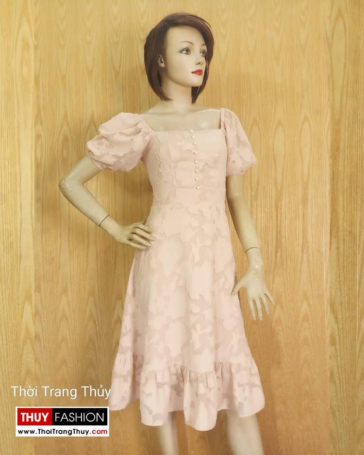 Váy xòe tay bồng cổ vuông vải ren V676 sài gòn