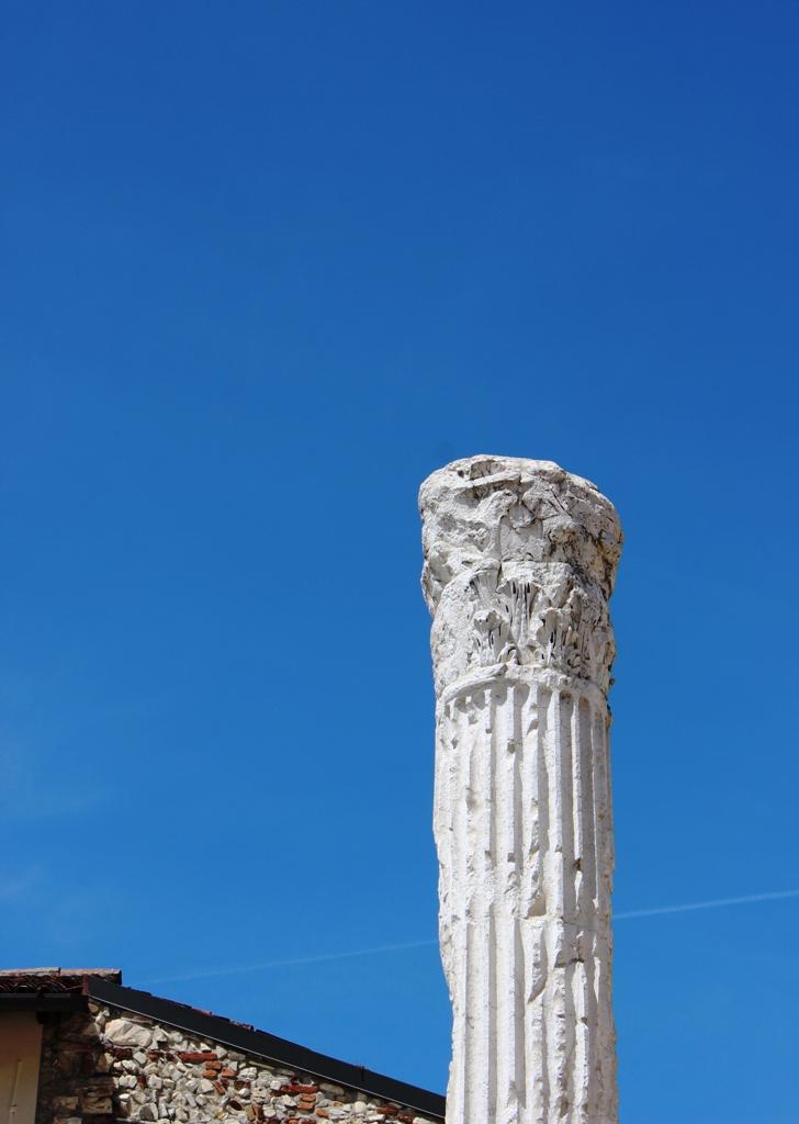 colonna solitaria di ucius