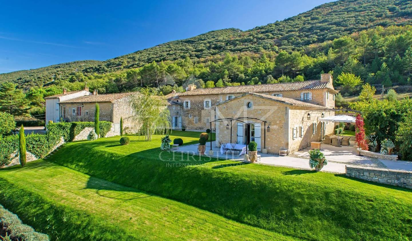 Property with pool Bonnieux