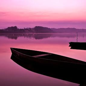 Amanhecer Na Pateira by Angela Silva - Landscapes Sunsets & Sunrises ( ângela silva )