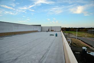 Photo: 09-11-2012 © ervanofoto Bijna klaar om eerstdaags de 32 cm dikke isolatielaag te ontvangen en de rubber dakdichting.