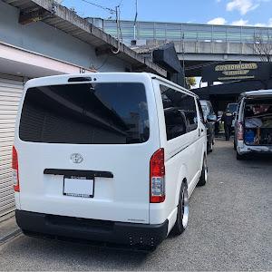 ハイエースバン TRH200V SUPER GL 2018年式のカスタム事例画像 keiji@黒バンパー愛好会さんの2020年04月05日18:49の投稿