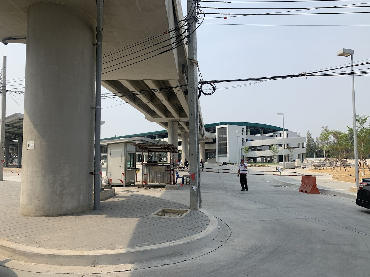 BTS コー・ポー・オー交差点駅にあるパーク・アンド・ライド(駐車場)の様子