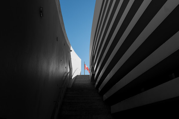 La scala tra le righe  di Giancarlo Lava