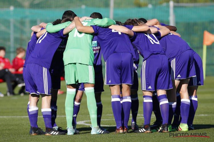 Standard vist achter het net: belofte Anderlecht heeft besluit over toekomst genomen