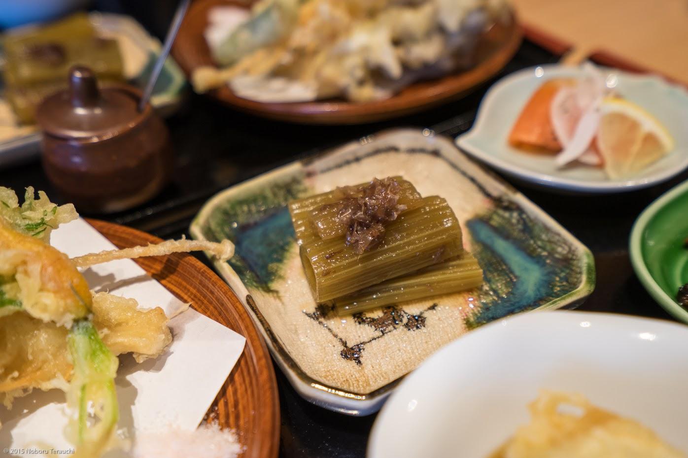 旬のお惣菜(山蕗の土佐煮」)