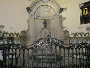 Photo: manneken pis a Bruxelles le plus récent 1619, a la fin on voit le plus ancien a Grammont qui date de 1459