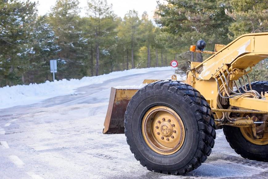 Macael y sus canteras nevadas.