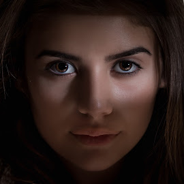 Eyes by light by Victor Queiroz - People Portraits of Women ( eyes women )