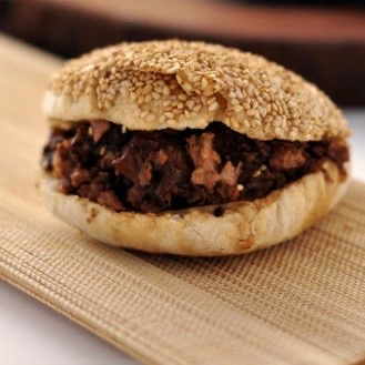 Signature Marinated Beef Crispy Pancake 火烧夹牛肉
