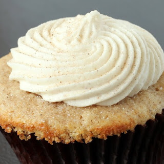 Snickerdoodle Cupcakes with Cinnamon Cream Cheese Frosting (and My Blogiversary!)