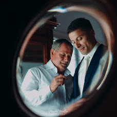Wedding photographer Kostas Oroumpozanis (fairytaleweddin). Photo of 25.09.2017