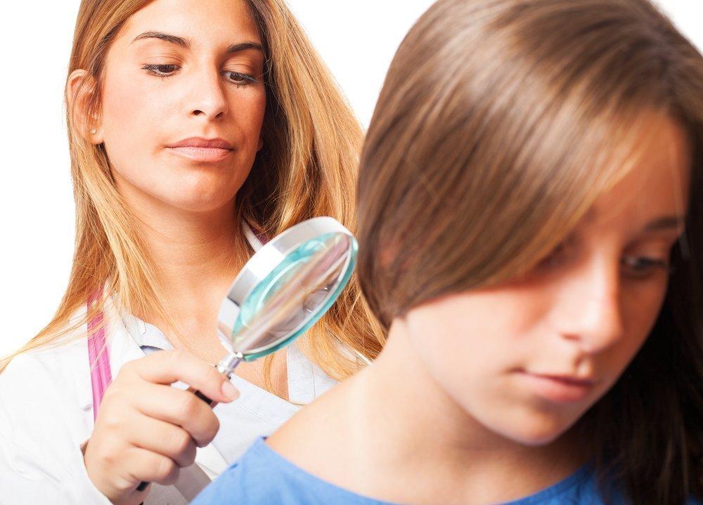 Когда нужна запись к дерматологу, показания для визита к дерматологу для взрослых и детей, осмотр