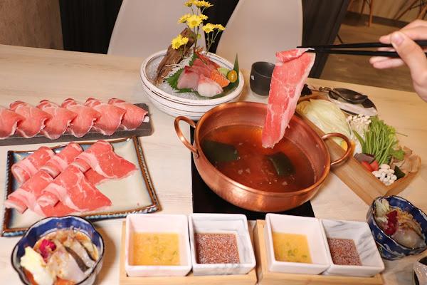 高雄火鍋推薦。錦悅町涮涮鍋 霸氣雙人海陸套餐 生食級海鮮 生魚片高雄宵夜推薦 – 快樂的過每一天