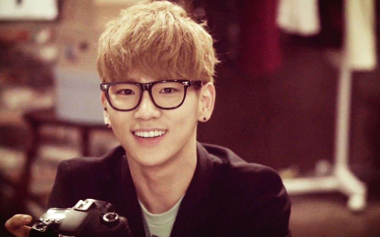 Shinee Key glasses 2